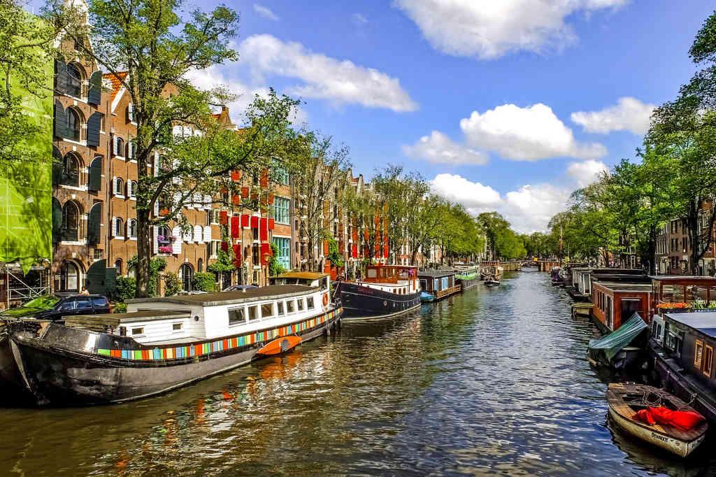 canal de amsterdam holanda