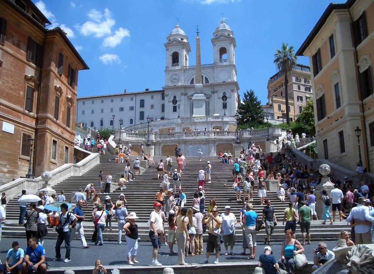 escalera plaza españa roma