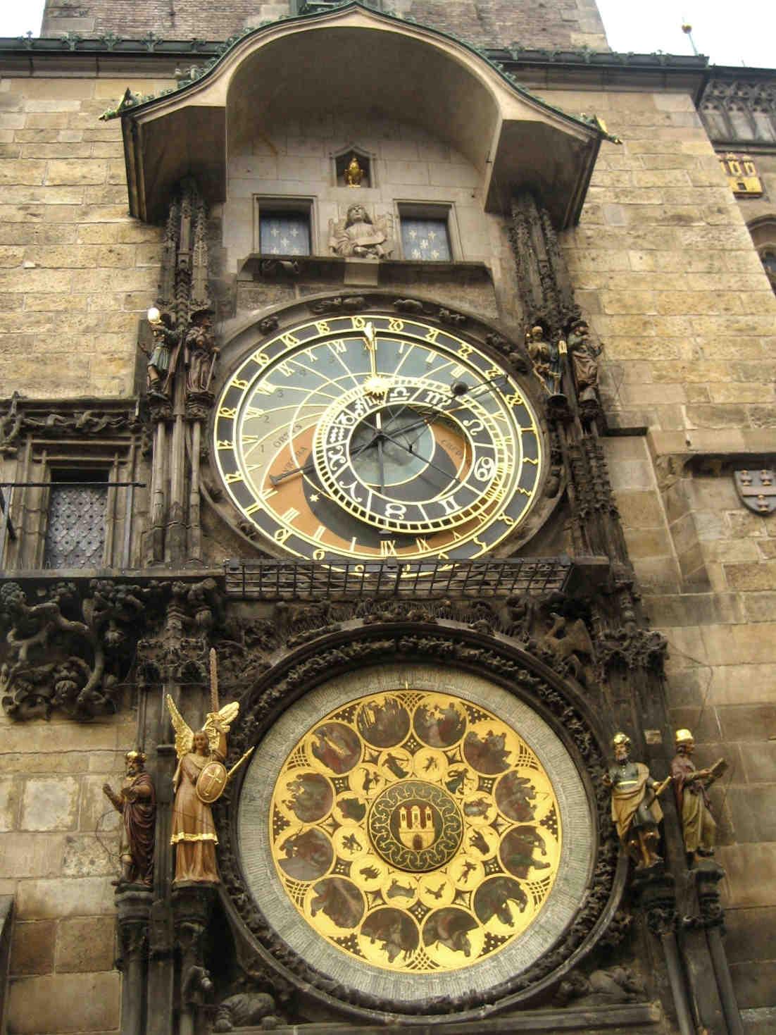 reloj astronomico praga old town