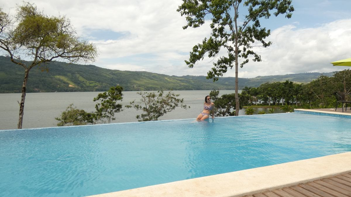 piscina del sauce lodge laguna azul tarapoto