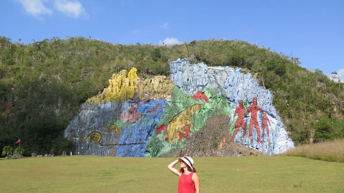 mural de la prehistoria en el valle de viñales