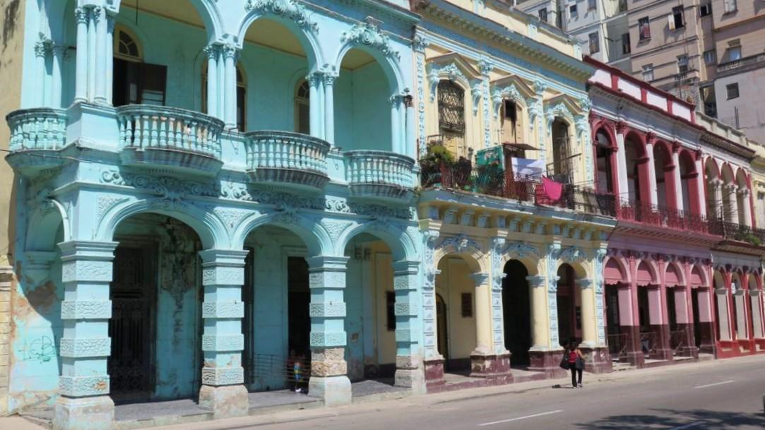 casas colores pasletes la habana vieja cuba