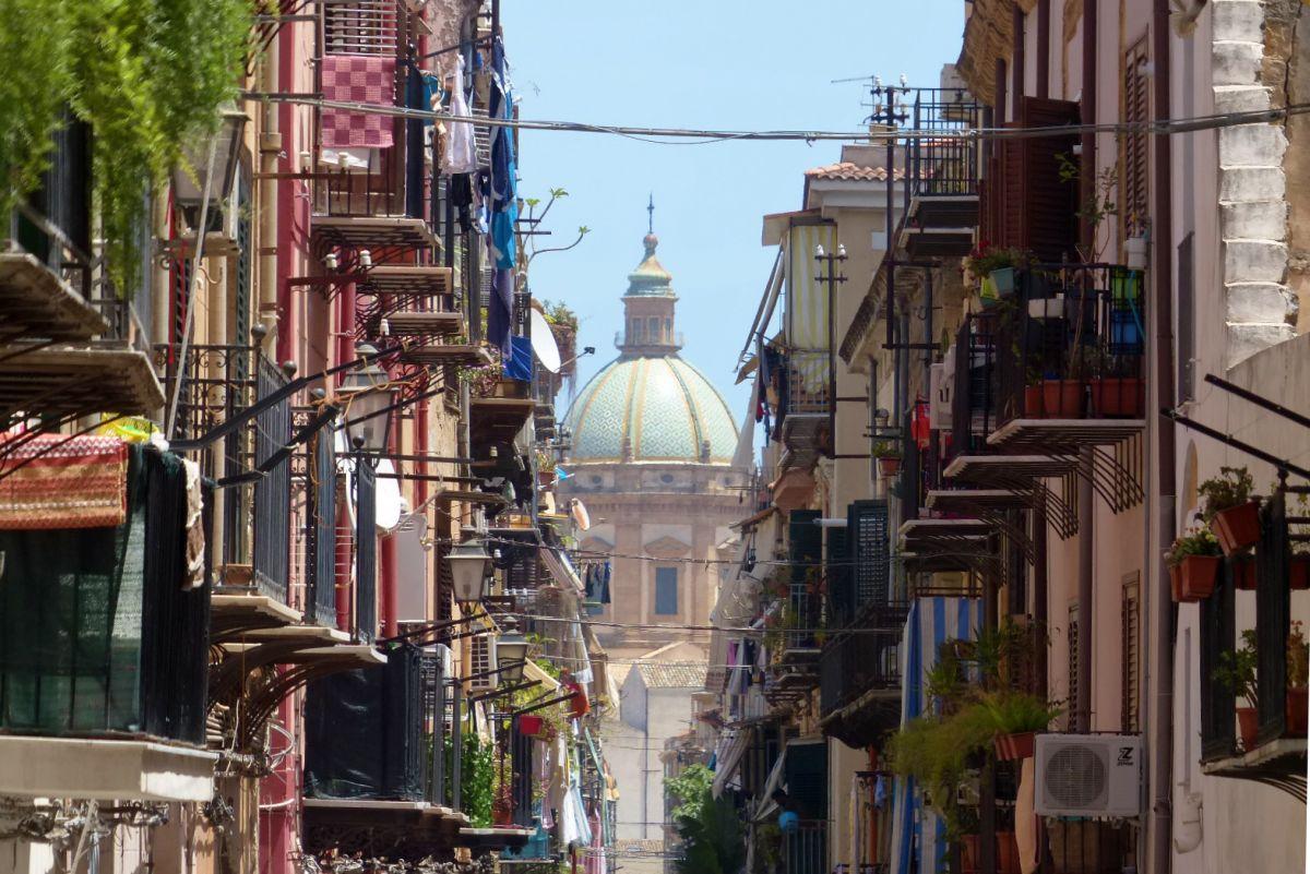 calles de palermo en sicilia