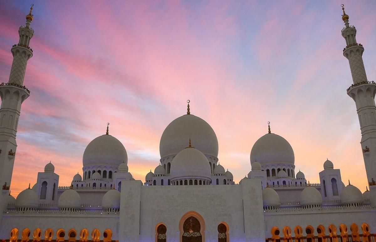 atardecer gran mezquita abu dhabi